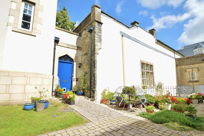2 Bedrooms Terraced House for sale in The Manor, Talygarn, CF72 9WT