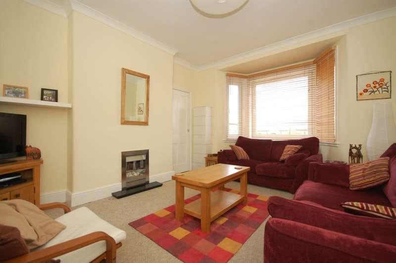 3 Bedrooms Maisonette Flat for sale in Easter Drylaw View, Edinburgh, Midlothian, EH4