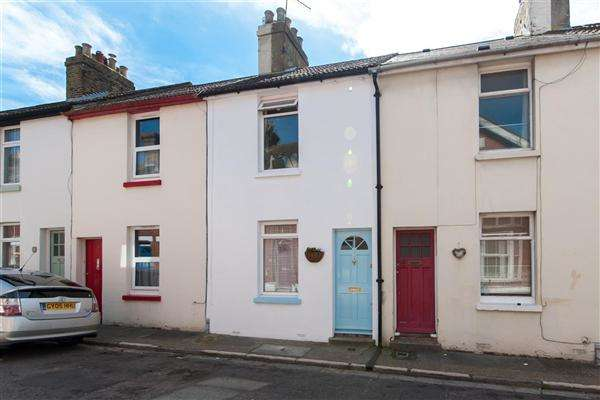 2 Bedrooms Terraced House for sale in St Jacobs Place, Canterbury