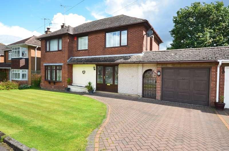 3 Bedrooms Detached House for sale in Sutherland Crescent, Blythe Bridge, ST11 9JT