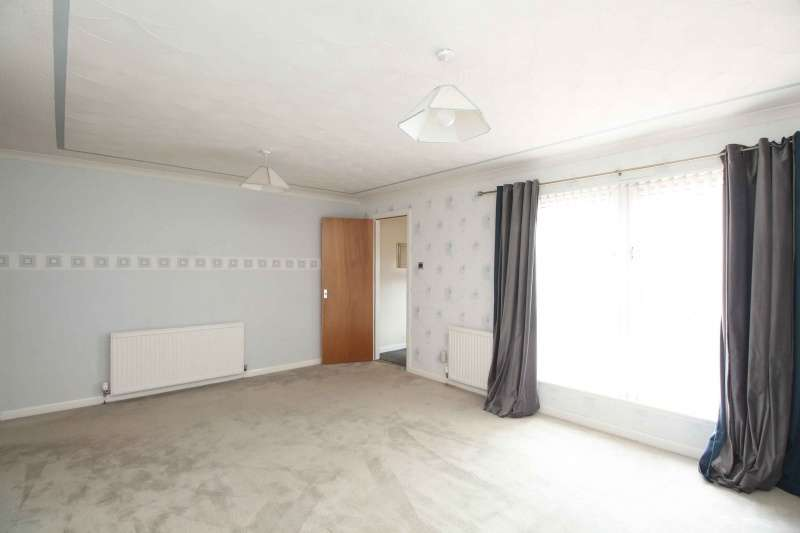 4 Bedrooms Semi Detached House for sale in Ormiston Drive, East Calder, West Lothian, EH53 0RN