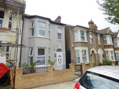 3 Bedrooms End Of Terrace House for sale in Ilford