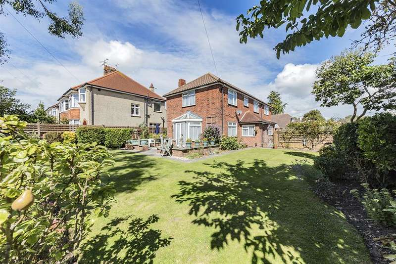 5 Bedrooms Detached House for sale in Loxwood Avenue, Worthing, West Sussex, BN14 7RG