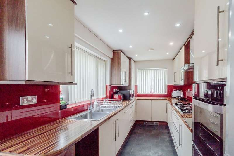 4 Bedrooms Terraced House for sale in Copperfield Street, Blackburn, Lancashire, BB1 1RB