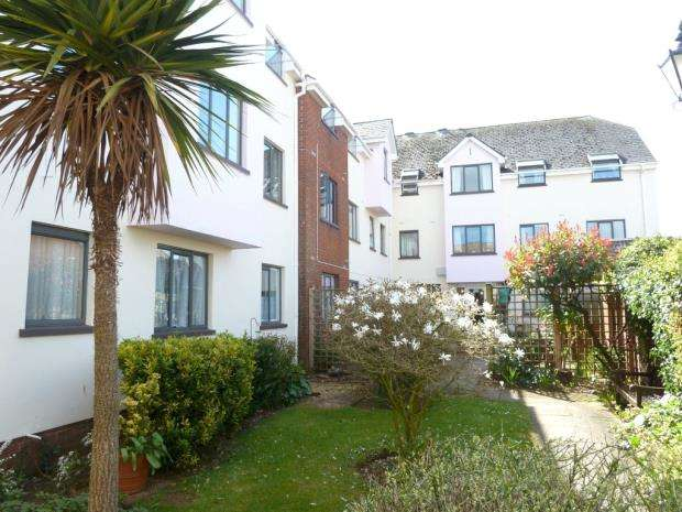 1 Bedroom Flat for sale in Kings Gardens, Kerslakes Court, Honiton, Devon