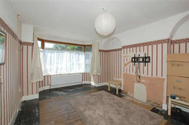 3 Bedrooms Terraced House for sale in Upper Elmers End Road, BECKENHAM, Kent