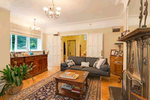 3 Bedrooms Flat for sale in Branch Hill, Hampstead Village, NW3