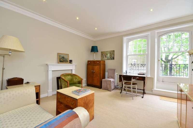 2 Bedrooms Flat for sale in Vereker Road, Barons Court, W14