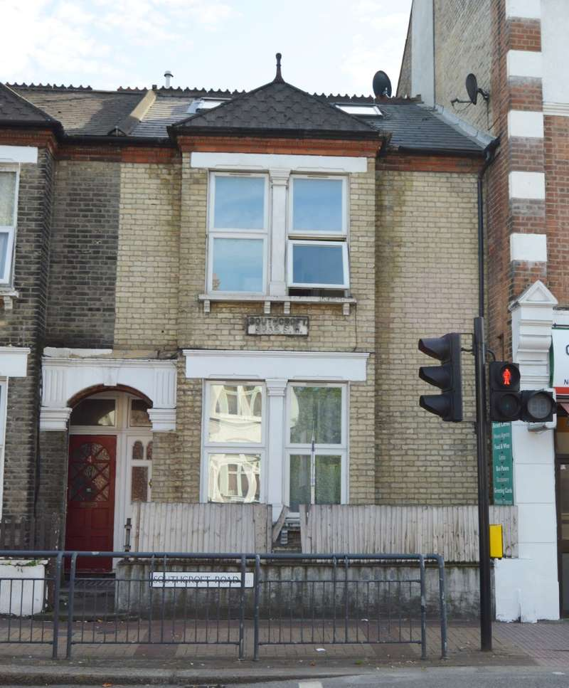2 Bedrooms Flat for sale in Southcroft Road, Tooting, London, SW17 9TR