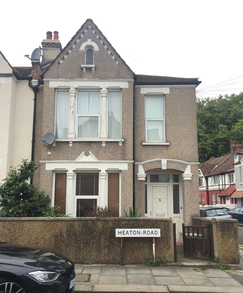 1 Bedroom Ground Flat for sale in Heaton Road, Mitcham, Surrey, CR4 2BW
