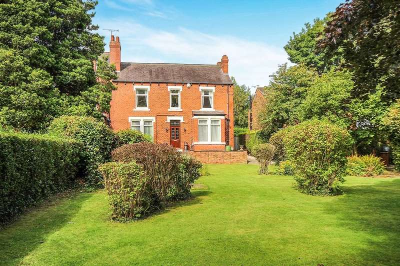 3 Bedrooms Property for sale in Stanks Lane South, Leeds, LS14