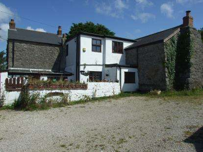 6 Bedrooms Detached House for sale in Camborne, Cornwall