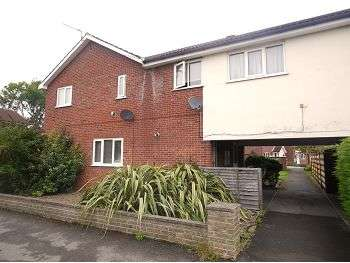 1 Bedroom Apartment Flat for sale in Melcombe Avenue, Strensall, York, YO32