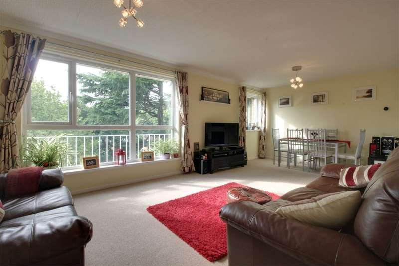 2 Bedrooms Flat for sale in Lloyd Square, 12 Niall Close, BIRMINGHAM, West Midlands