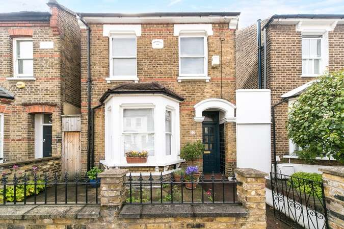 3 Bedrooms Detached House for sale in Montgomery Road, Chiswick