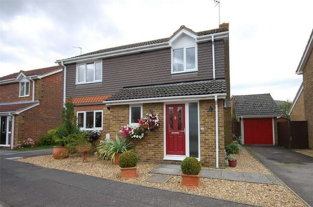 4 Bedrooms Detached House for sale in Plough Close, Aylesbury, Buckinghamshire