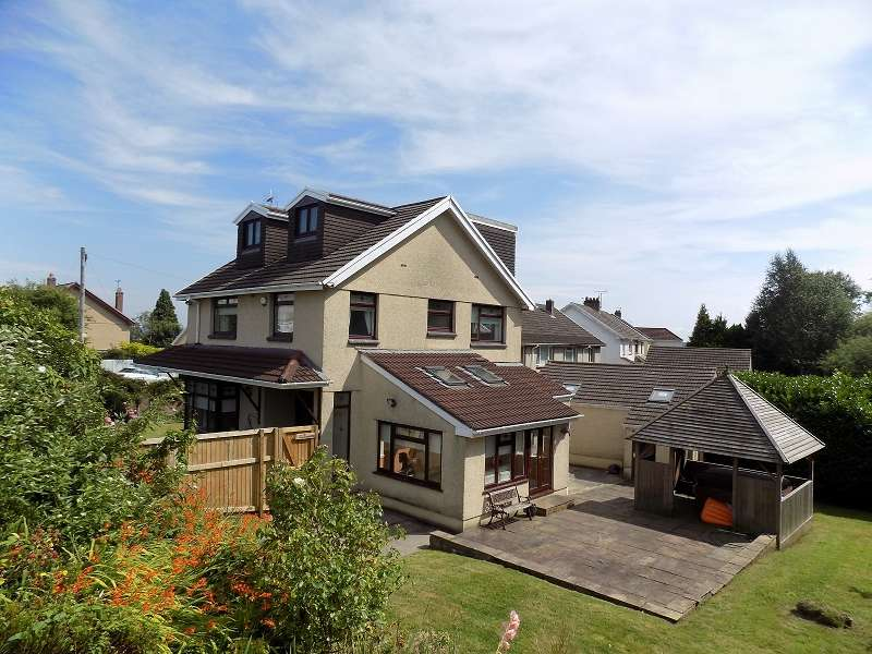 5 Bedrooms Detached House for sale in Oaklands Road, Bridgend. CF31 4SX