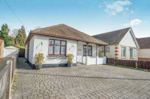 3 Bedrooms Bungalow for sale in Loose Road, Maidstone, Kent, .