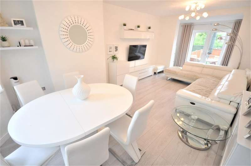 3 Bedrooms Semi Detached House for sale in Broadway, Chaderton, Oldham, Lancashire, OL9 9QU