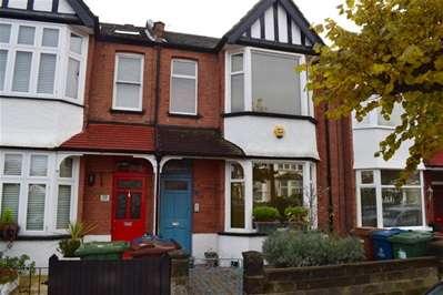3 Bedrooms Terraced House for sale in Risingholme Road, Harrow Weald