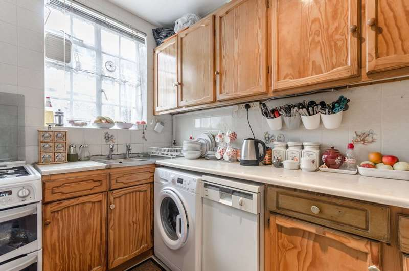 3 Bedrooms Flat for sale in Wenlock Road, Islington, N1