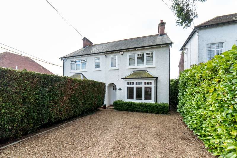3 Bedrooms Semi Detached House for sale in Green Lane, Amersham, Buckinghamshire, HP6