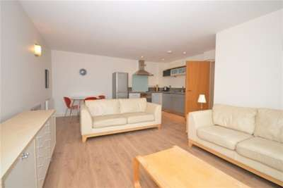 2 Bedrooms Flat for rent in West One Panorama, Fitzwilliam Street, S1 4JQ