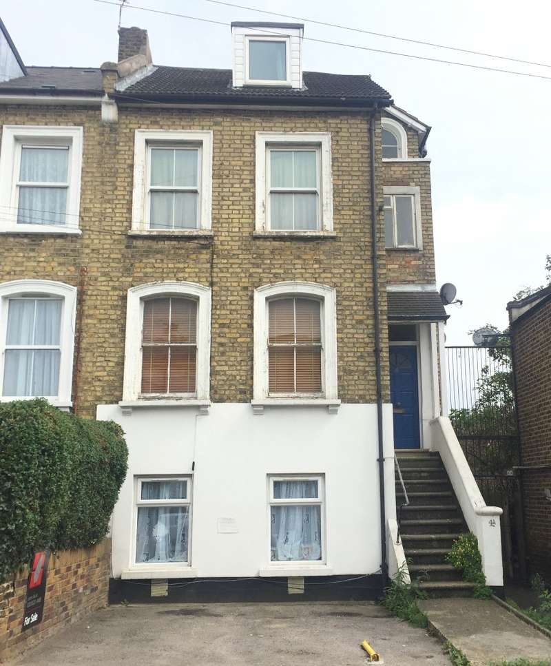 1 Bedroom Flat for sale in Ravensbourne Road, Catford, London, SE6 4UX