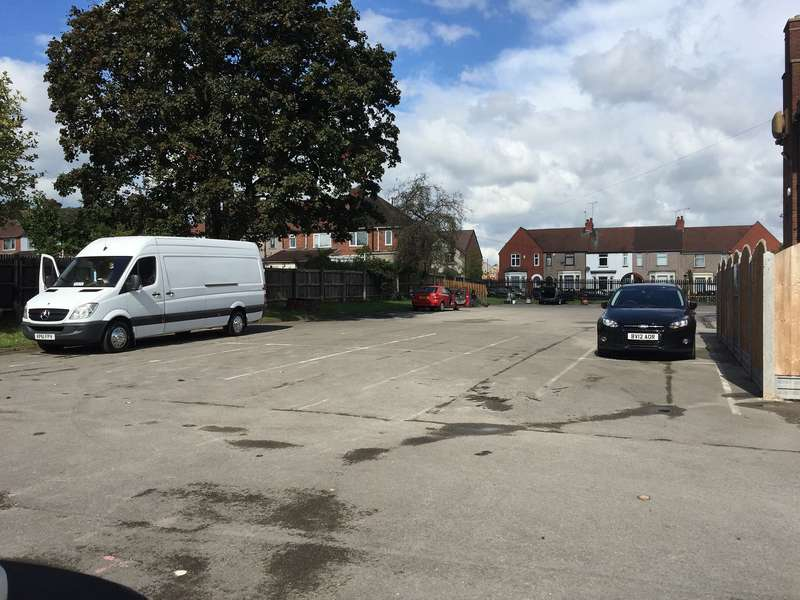 Showroom Commercial for rent in Extensive Car Parking Area, The Pilot Hotel,Burnaby Road,Coventry,West Midlands,CV6 4AU, Burnaby Road, Coventry
