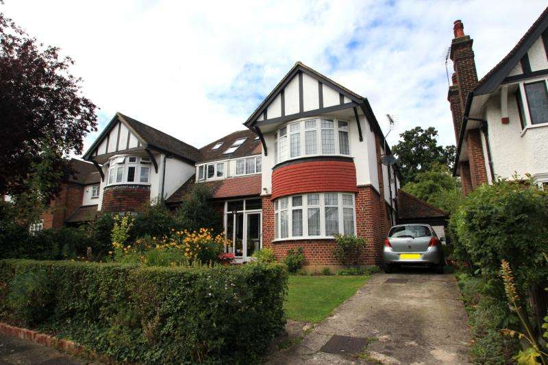 4 Bedrooms Semi Detached House for sale in Harrow