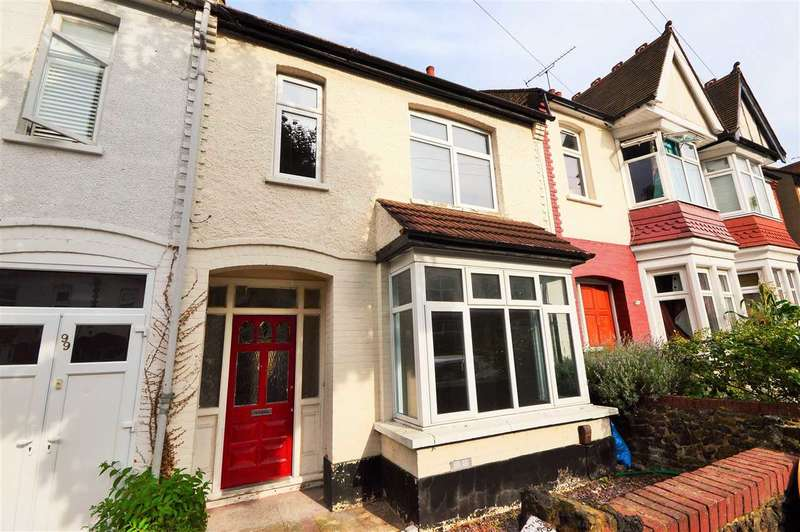3 Bedrooms Terraced House for sale in Wenham Drive, Westcliff