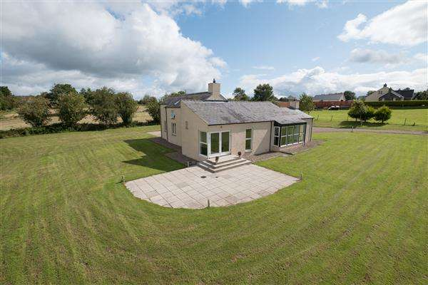 4 Bedrooms Detached House for sale in 62 Killee Road