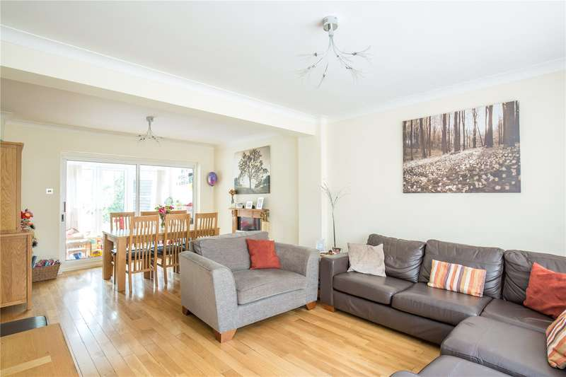 4 Bedrooms Semi Detached House for sale in Denewood, New Barnet, Hertfordshire, EN5