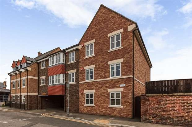 2 Bedrooms Flat for sale in Balliol Court, Stokesley, Middlesbrough, North Yorkshire