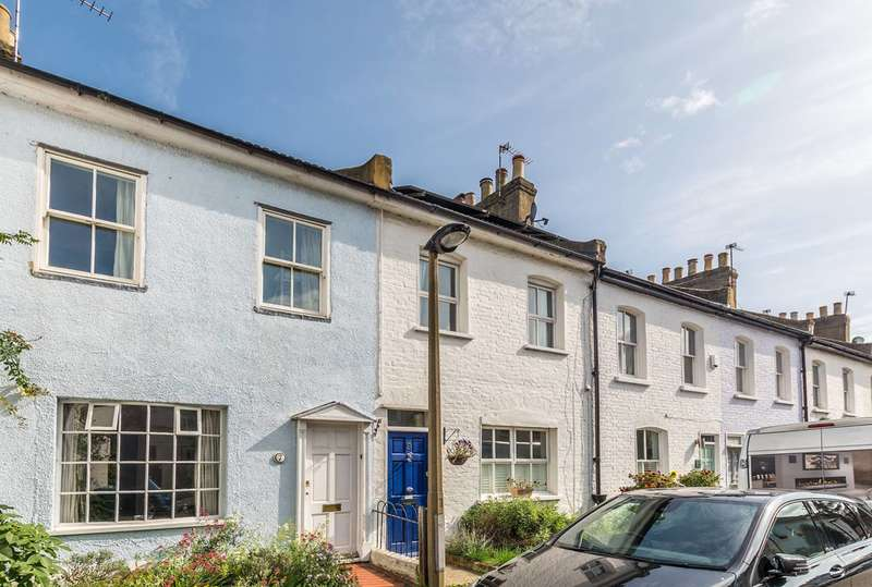 2 Bedrooms Cottage House for sale in Grove Road, Twickenham, TW2