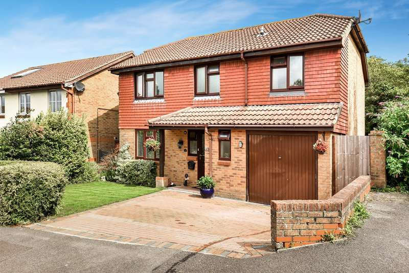 5 Bedrooms Detached House for sale in Lapin Lane, Hatch Warren, Basingstoke, RG22