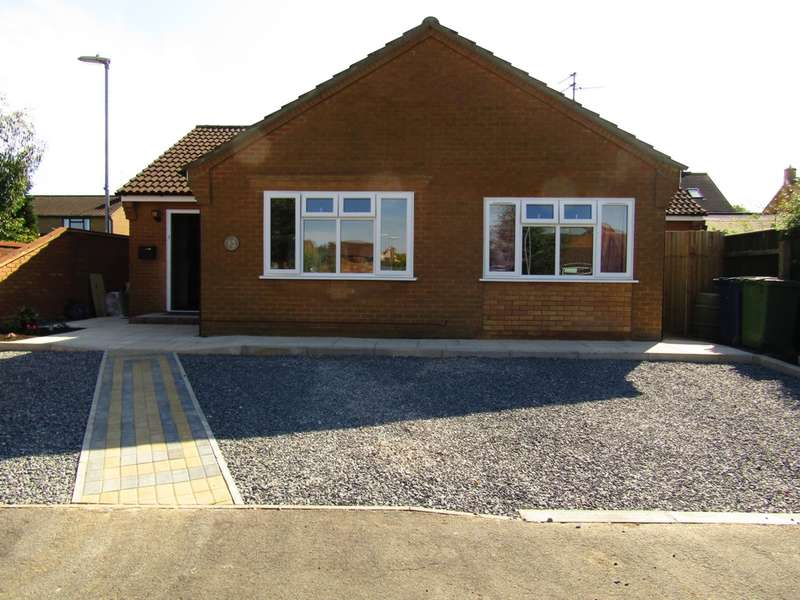 4 Bedrooms Bungalow for sale in Bowker Way, Whittlesey, PE7