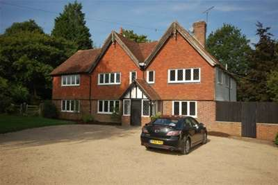 5 Bedrooms House for rent in Eastbourne Road, Uckfield