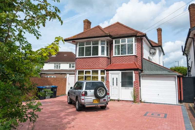 4 Bedrooms Detached House for sale in Sudbury Court Road, Harrow, Middlesex, HA1