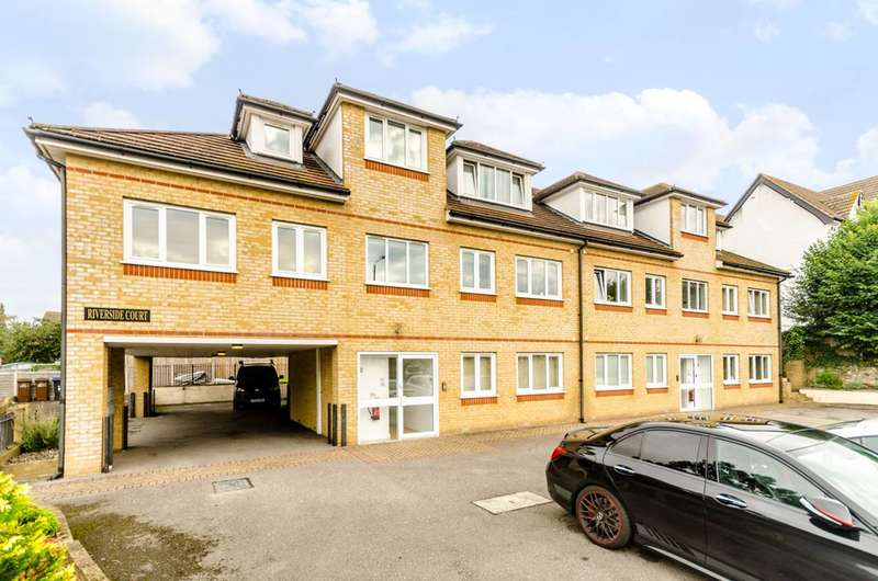 2 Bedrooms Flat for sale in Vincent Close, Bromley, BR2