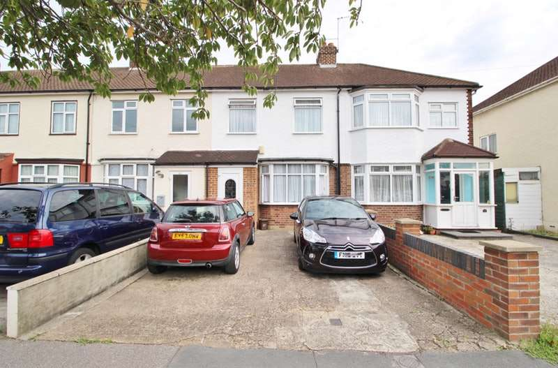 3 Bedrooms Terraced House for sale in Eastfield road, Waltham cross, Hertfordshire, EN8