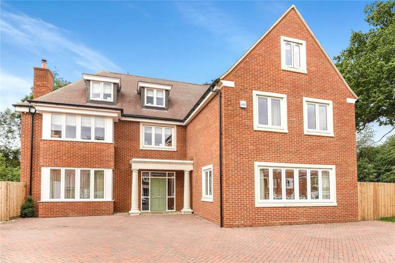 5 Bedrooms Detached House for sale in Rook Lane, Chaldon, Caterham, Surrey, CR3