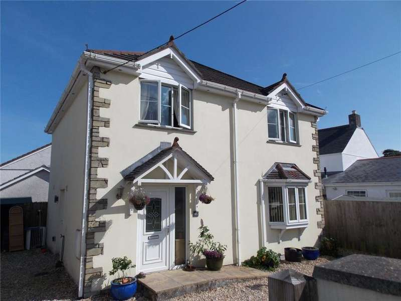3 Bedrooms Detached House for sale in Station Road, Bugle, Cornwall