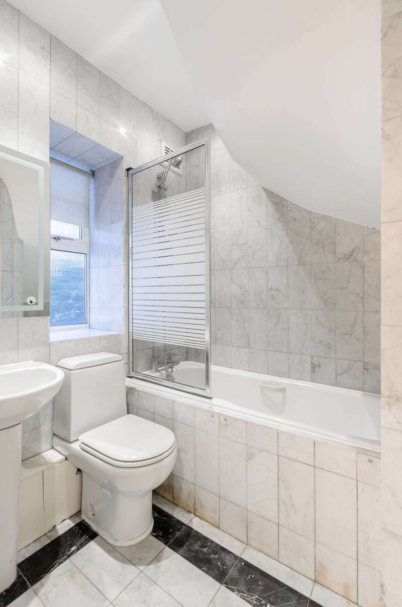 3 Bedrooms Terraced House for sale in North End Way, Hampstead, NW3