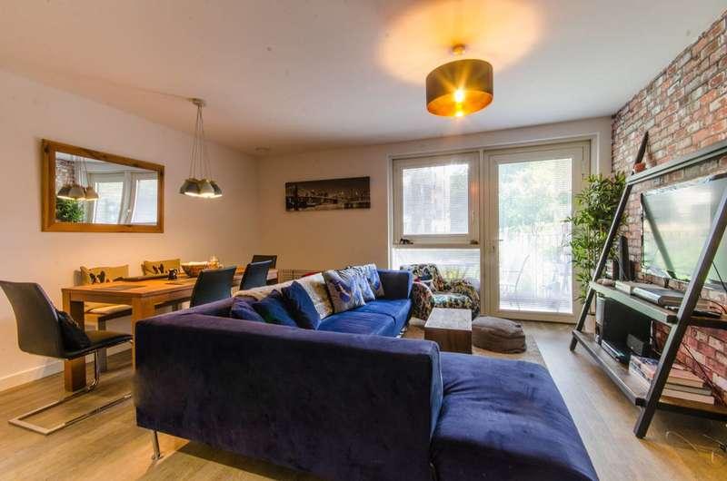 2 Bedrooms Flat for sale in Naomi Street, Deptford, SE8