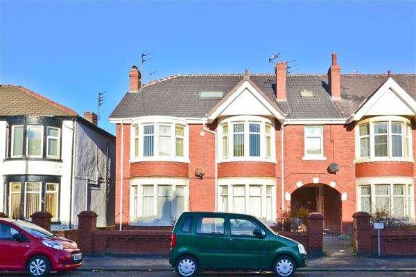 4 Bedrooms Maisonette Flat for sale in Watson Road, Blackpool
