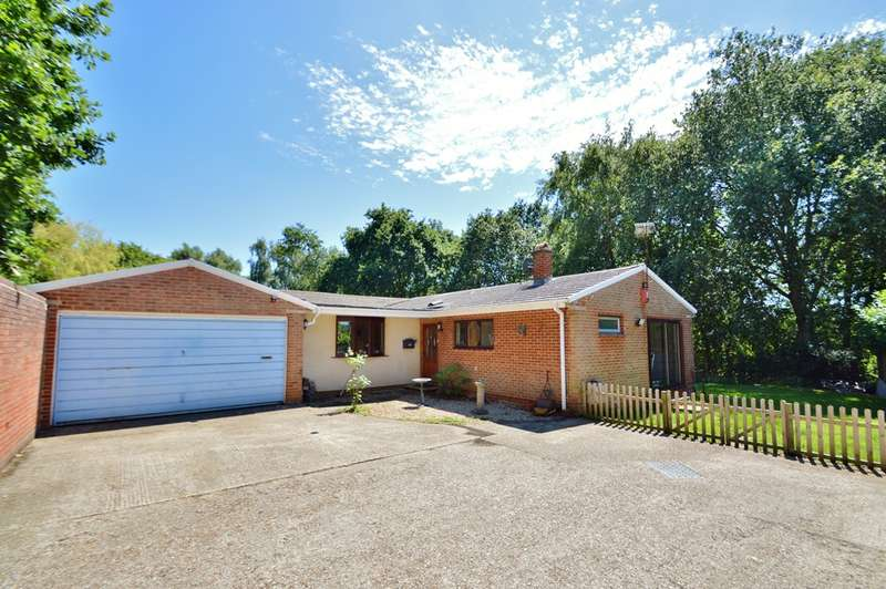 4 Bedrooms Bungalow for sale in Swanwick