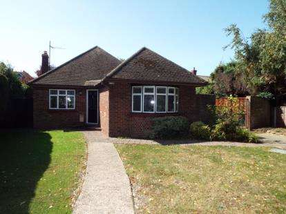 2 Bedrooms Bungalow for sale in Frinton-On-Sea, Essex