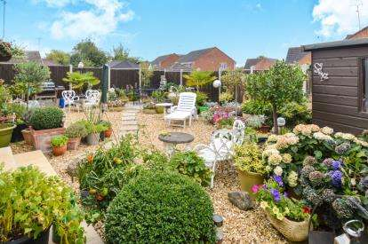 2 Bedrooms Bungalow for sale in Pells Close, Fleckney, Leicester, Leicestershire