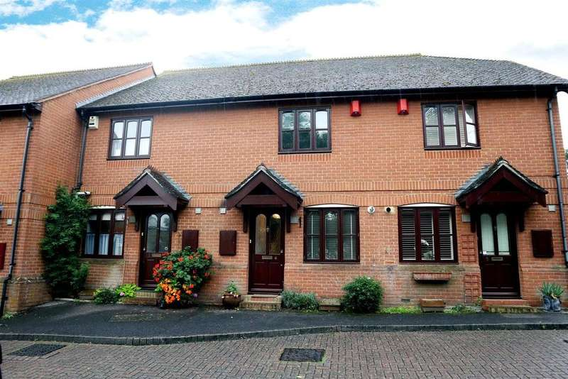 2 Bedrooms Terraced House for sale in Foley Mews, Claygate.
